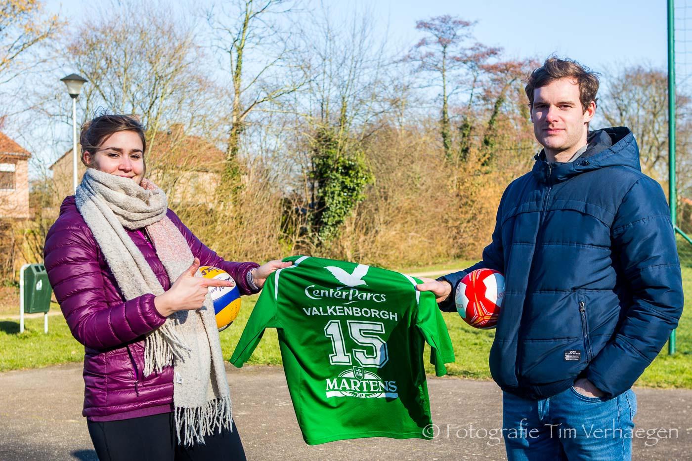 20182502: Beachvolleybalster Katrien Gielen en handballer Roel Valkenborgh tijdens een interview met BeVolley Magazine.